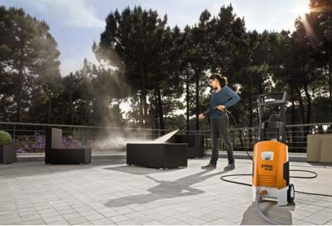 PRESSURE WASHERS & VACUUMS